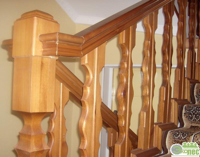 Поручни деревянные для лестниц, балясины и перила из
